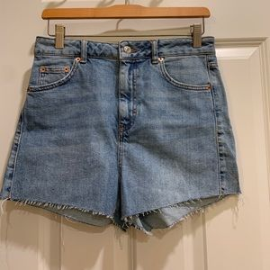 Blue Topshop mom jean shorts